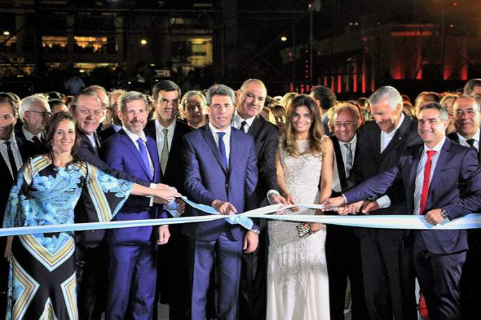 inauguraci�n teatro