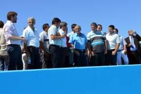Las autoridades recorrieron el Club Colón Jr, para observar las actividades que realizaban los jóvenes