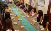 Las Candidatas a Reina Nac del Sol desayunaron con el Gobernador