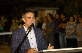 Intendente Franco Aranda inaugurando repavimentación de calles de Capital