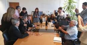 Las autoridades de la UNSJ y el intendente de Jáchal en conferencia de prensa