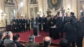 El gobernador Uñac firma el Acuerdo Energético