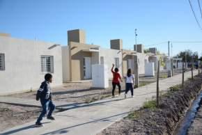 Complejo de viviendas entregadas en Santa Lucía este jueves