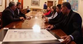 Nuevos emprendimientos comerciales presentaron al gobernador Uñac