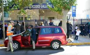 Ordenamiento de tránsito frente a la Escuela Mercedes Gallardo de Valdéz