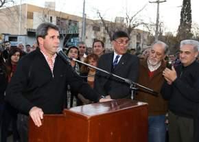 Dirige la palabra el gobernador Sergio Uñac