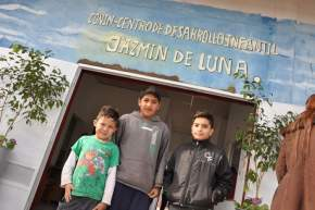 """El centro está ubicado en el predio del Ferrocarril del barrio La Estación donde también funciona el CEDI (Centro de Desarrollo Infantil) """"Jazmín de Luna"""""""