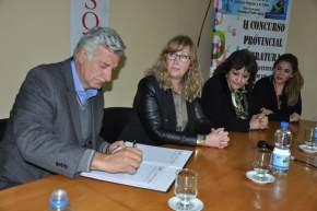 Firma del Acta Convenio para el desarrollo del II Concurso Provincial Literario
