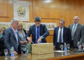 El gobernador Sergio Uñac inicia la apertura de las ofertas económicas