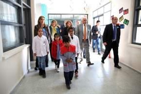 El vicegobernador Marcelo Lima, en ejercicio del P.Ejecutivo, en la inauguración de remodelaciones en la Escuela Albert Einstein, en el departamento Sarmiento