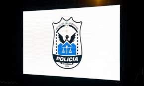Escudo creado en 1962 en ocasión de la celebración del centenario de la creación de la fuerza